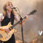 Zomrel legendárny Malcolm Young († 64), spoluzakladateľ a gitarista AC/DC