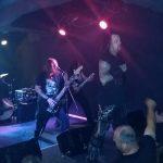 VITAL REMAINS v Banskej Bystrici predviedli kvalitný death metal, nechýbalo ani pálenie biblie