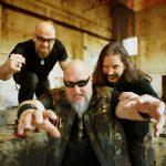 Úderné trio RAGE na čele s Peavym Wagnerom vystúpi so svojimi hosťami vo Zvolene