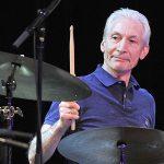 Zomrel bubeník THE ROLLING STONES. Na treťom albume ME AND THAT MEN mnoho zaujímavých hostí